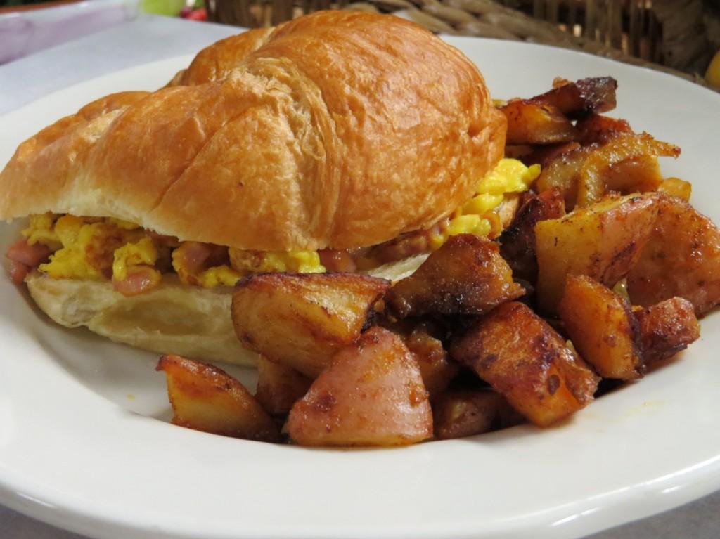Villa Nueva Breakfast Croissant