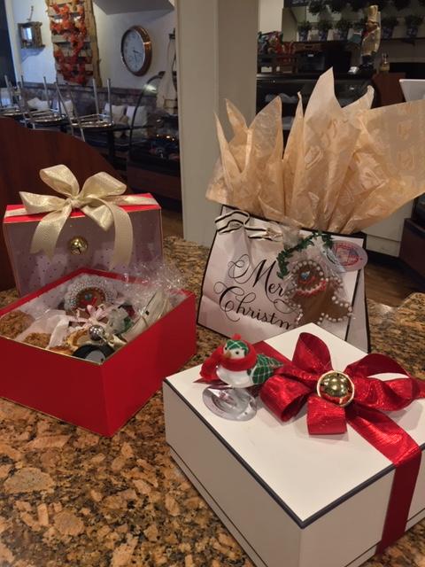 Villa Nueva Holiday Gift Boxes and Bags
